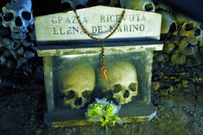 NAPLES MEMORIES... SANITA' DISTRICT AND FONTANELLE HISTORIC CEMETERY