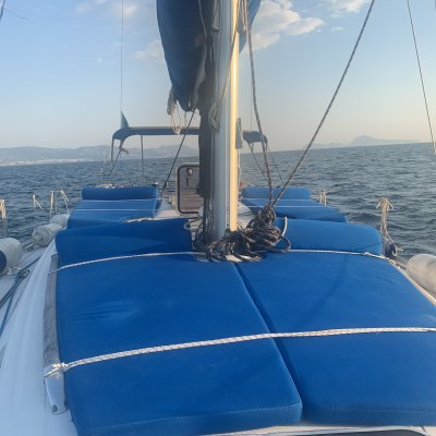 WEEKEND SAILING IN THE GULF